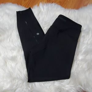 Lululemon athletica cropped leggings size 6